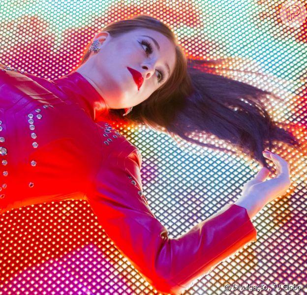 Novela 'Totalmente Demais': Eliza (Marina Ruy Barbosa) lança sua capa de revista e é muito elogiada por Arthur (Fábio Assunção) e Germano (Humberto Martins). Cena vai ao ar nesta quinta-feira, 7 de abril de 2016