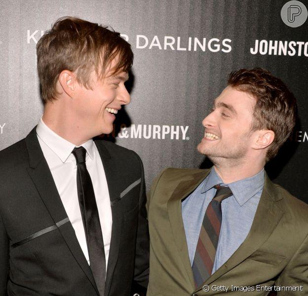 Dane DeHaan e Daniel Radcliffe protagonizam cenas de sexo e beijo gay no filme 'Kill Your Darlings'