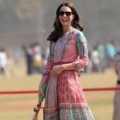 Kate Middleton joga críquete e futebol de salto alto em viagem à Índia. Fotos!