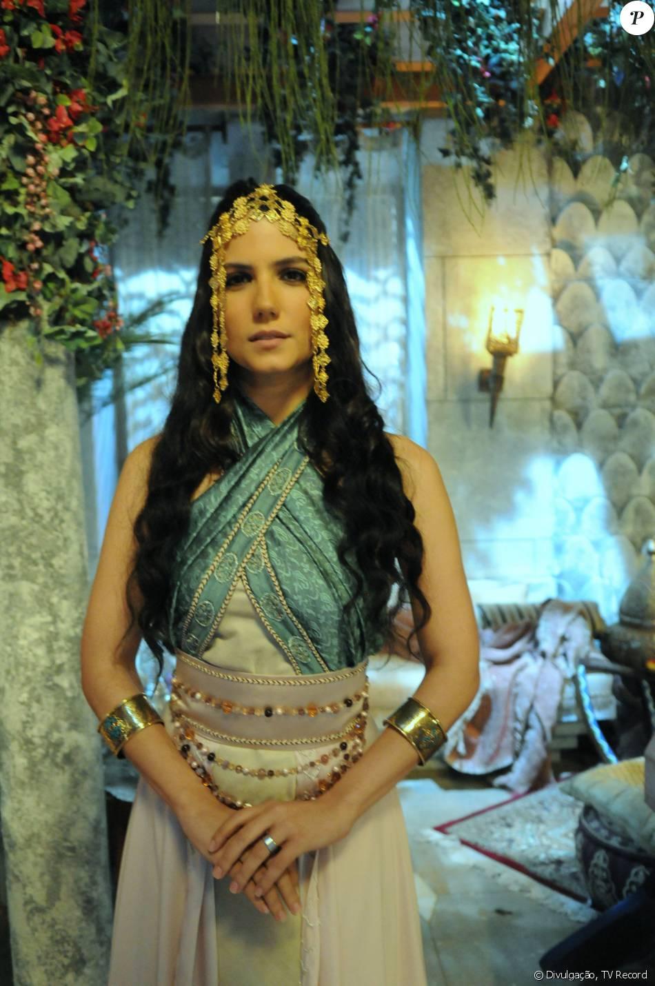 Adira (Rayana Carvalho) vai ser vendida como escrava nos próximos capítulos da novela 'Os Dez Mandamentos - Nova Temporada'