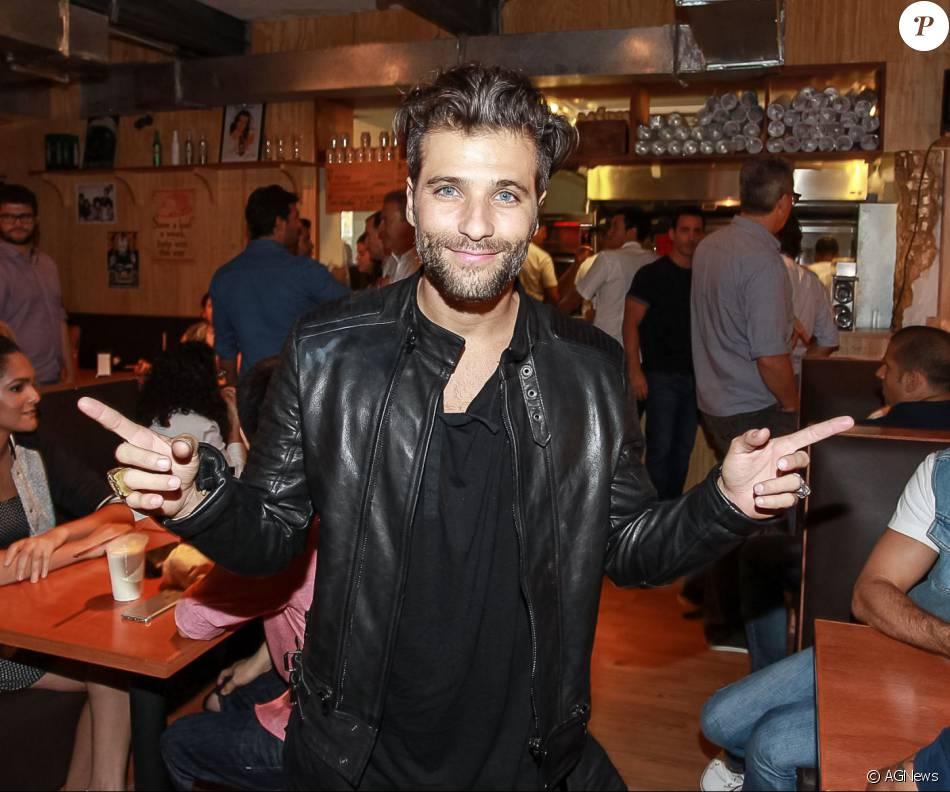 Bruno Gagliasso iria viver um transexual na série 'Supermax', da Globo, mas teve que abandonar o projeto por falta de agenda