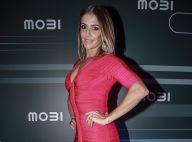 Deborah Secco aposta em decote e vestido coladinho para evento em SP