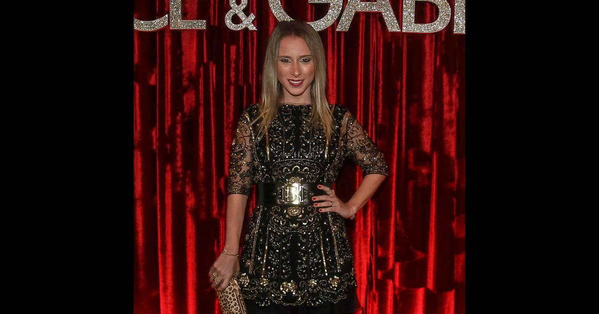 dc9160f43e550 Lethicia Bronstein marcou presença na festa promovida pelos estilistas da  Dolce   Gabbana para homenagear Anna Della Russo. Veja os looks das famosas!