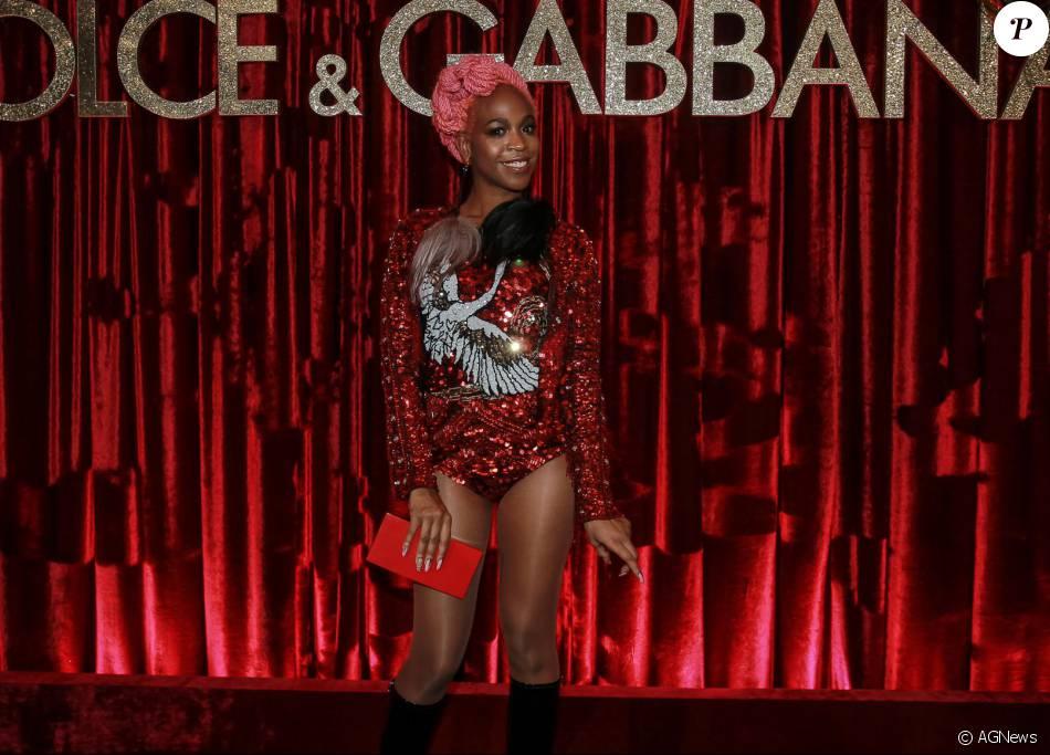 6a08e54860c1f A cantora Karol Conka marcou presença na festa promovida pelos estilistas  da Dolce   Gabbana para homenagear Anna Della Russo. Veja os looks das  famosas!