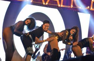 Anitta convida fã para dançar o hit 'Bang' com ela em show em Brasília. Vídeo!