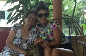 Paula Fernandes lamenta morte da avó em foto na web: 'Somente saudade'