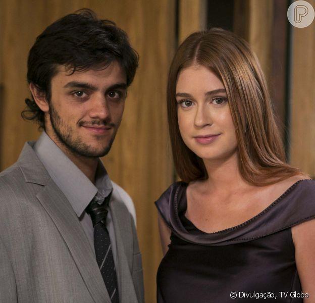 Em 'Totalmente Demais', Eliza (Marina Ruy Barbosa) é flagrada aos beijos com Jonatas (Felipe Simas) e pede um tempo para o rapaz