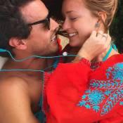 Marina Ruy Barbosa posa com o namorado, Xandinho Negrão, após viagem ao Uruguai