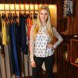 Bárbara Evans posa para fotos em evento de moda