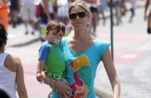 Luana Piovani se diverte com o filho e mostra barriga chapada em orla carioca