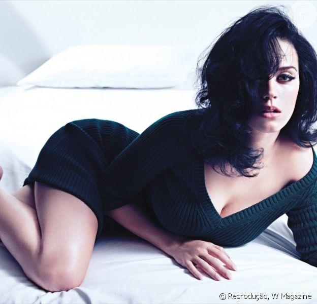 Katy Perry posou para a capa da revista 'W' e falou sobre o namorado, o cantor John Mayer