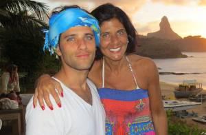 Bruno Gagliasso curte folga com a mãe em Noronha: 'Não deu pra trazer Giovanna'