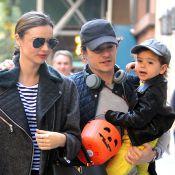 Miranda Kerr e Orlando Bloom são vistos passeando com o filho após separação