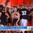 Katy Perry cantou em uma escola dos Estados Unidos no dia de seu aniversário de 29 anos como estratégia de promoção do álbum 'Prism'