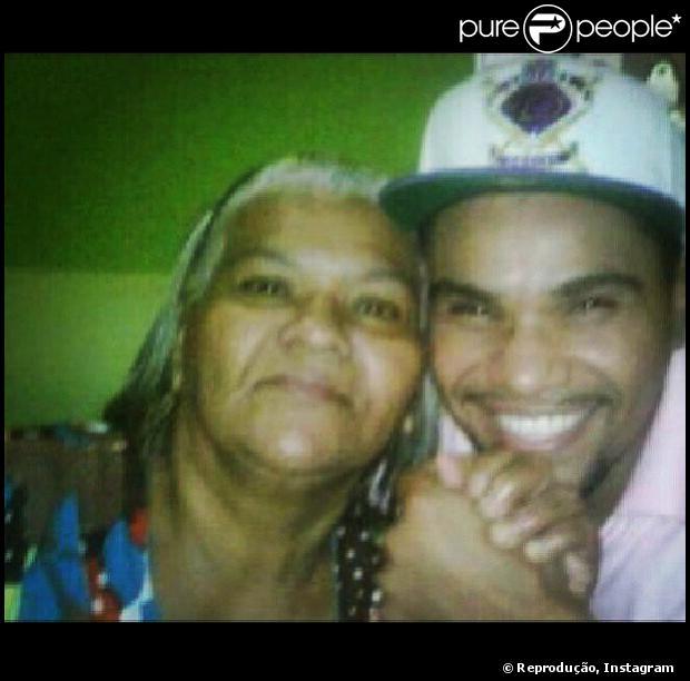 Dona Ivonete, mãe de Naldo Benny, morre no Rio de Janeiro, em 30 de outubro de 2013