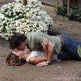 Amora (Sophie Charlotte) conseguiu reconquistar Bento (Marco Pigossi) depois de afastá-lo de Malu (Fernanda Vasconcellos), fazendo os dois pensarem que eram irmãos, em 'Sangue Bom'
