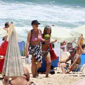 Giulia Gam curte dia de praia após sucesso em 'Sangue Bom'