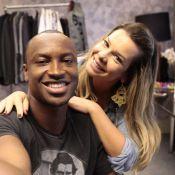 Fernanda Souza visita o noivo, Thiaguinho, antes de gravação de 'Sai do Chão'