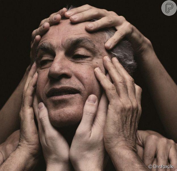 Caetano Veloso venceu o Grammy Latino em duas categorias por seu álbum 'Abraçaço' (21 de novembro de 2013)