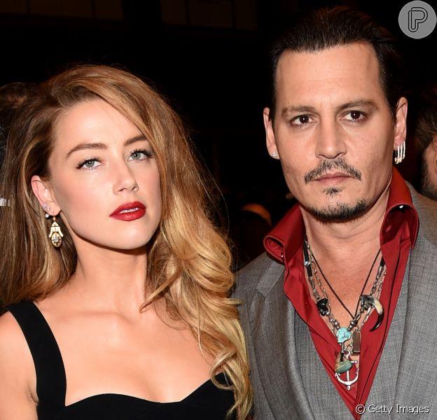 Johnny Depp e ex-mulher, Amber Heard, firmam acordo de divórcio em audiência nesta quarta-feira, dia 17 de agosto de 2016