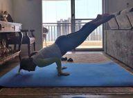 Zilu, aos 58 anos, exibe boa forma e elasticidade ao fazer ioga: 'Equilíbrio'