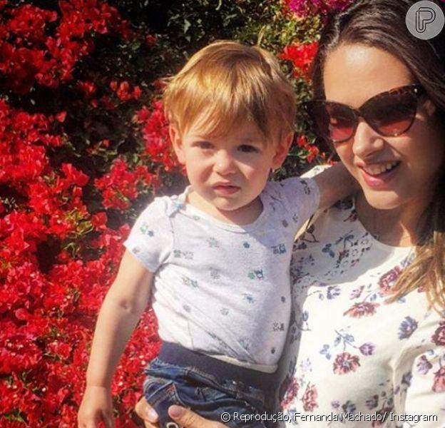 Fernanda Machado posa com o filho Lucca, de 1 ano e 2 meses, nesta segunda-feira, dia 22 de agosto de 206