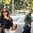 Alice (Giovanna antonelli) e César (Rafael Cardoso) se cruzam na rua e ele se encanta por ela, no capítulo que vai ao ar na quarta-feira, dia 31 de agosto de 2016, na novela 'Sol Nascente'