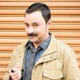 Emílio Orciollo Neto é o atrapalhado detetive Damasceno na novela 'Sol Nascente'. Sai da Itália e chega no Brasil para investigar, a mando da máfia, a matriarca da família De Angeli