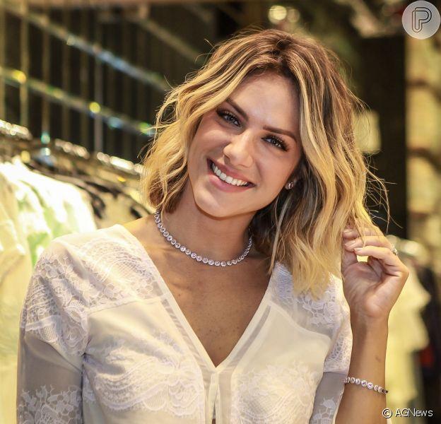 Giovanna Ewbank quer reduzir rotina de trabalho pela filha, Titi, como contou em entrevista na última quinta-feira, dia 25 de agosto de 2016