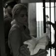 Sandra (Flávia Alessandra) foi internada em um hospício no capítulo final de 'Êta Mundo Bom'