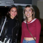 Bruna Marquezine se diverte em show com Maria Casadevall: 'Sambinha bom'