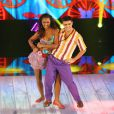 Felipe Simas e Carol Agnelo dançam ao som de 'Jogo de Cintura'