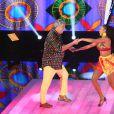 Sidney Magal apresentou a coreografia de 'Que Nem Jiló' com a professora Camila Lobo