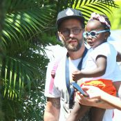 Bruno Gagliasso busca a filha, Titi, na escola e a leva para natação. Fotos!