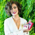 Juliana Paes lançou mais um perfume que leva seu nome na tarde desta quinta-feira (22), no shopping Village Mall, Zona Oeste do Rio