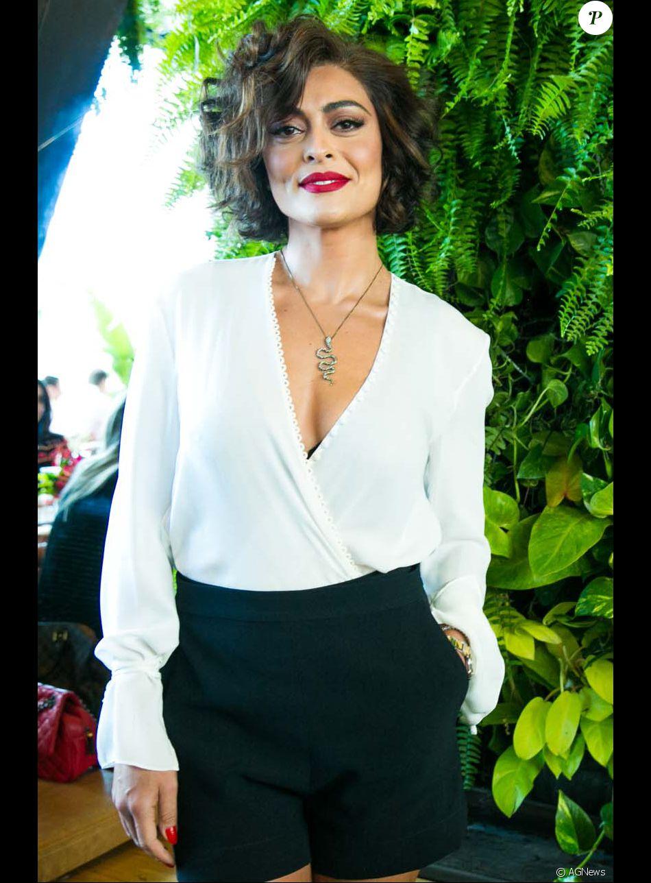 Juliana Paes adotou um novo visual e contou como arruma o cabelo todos os dias