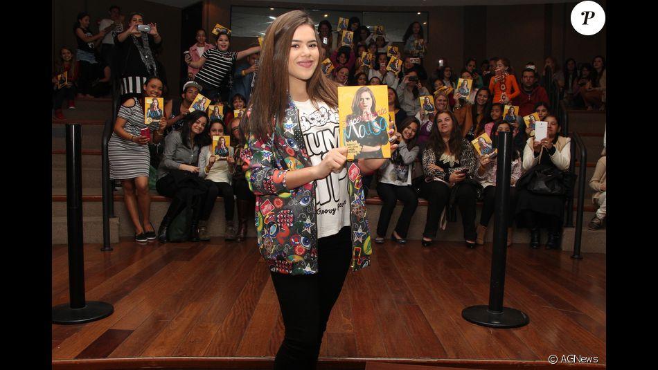 Maisa Silva arrasta legião de fãs à tarde de autógrafo de seu livro ... 3542ef07e7