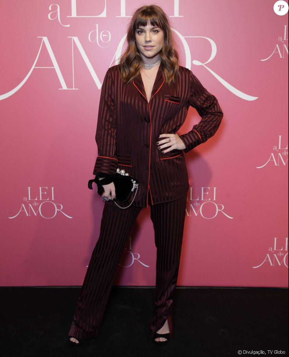 Alice Wegmann explica look pijama da grife Givenchy de R$ 12 mil: 'Confortável'