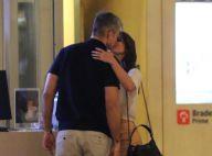 Otaviano Costa e Flávia Alessandra trocam beijos antes de cinema. Fotos!
