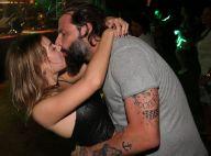 Henri Castelli troca beijos com a namorada em show: 'Bahia, sua linda!'. Fotos!