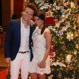 O casal Thaís Fersoza e Michel Teló chegou juntos no evento beneficente Natal do Bem, que aconteceu nesta segunda-feira (16) em São Paulo