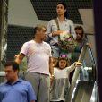 Romário também levou a filha caçula, Ivy, e os cachorros para o shopping (Foto: Marcus Pavao)