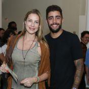 Luana Piovani e Pedro Scooby vão juntos a teatro após reatar casamento