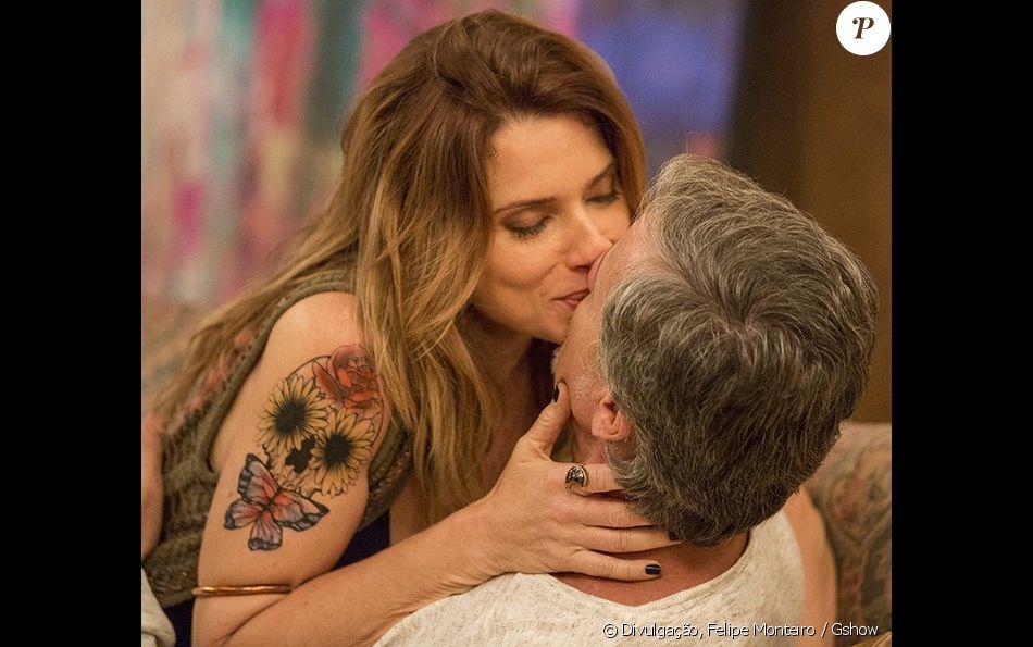 Vittorio (Marcello Novaes) apoia Lenita (Leticia Spiller) após saber história sobre sua filha, no capítulo que vai ao ar na quinta-feira, dia 01 de dezembro de 2016, na novela 'Sol Nascente'