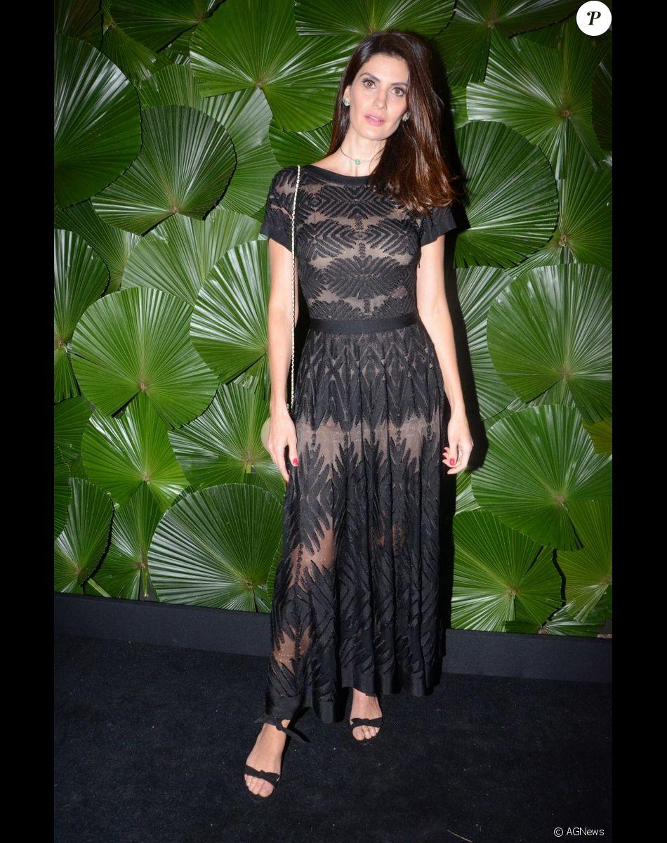 9532dcce32805e Isabella Fiorentino tambémk apostou em um look Chanel para o jantar ...
