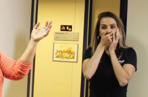 Deborah Secco faz 37 anos e ganha supresa da equipe de 'Malhação'. Vídeo!