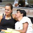 Dentro da casa, Bruna começou a namorar Alberto Cowboy. O relacionamento terminou quando Bruna se converteu: 'Tenho um carinho muito grande por ele'