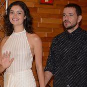 Daniel de Oliveira, de visual novo, acompanha Sophie Charlotte em evento. Fotos!