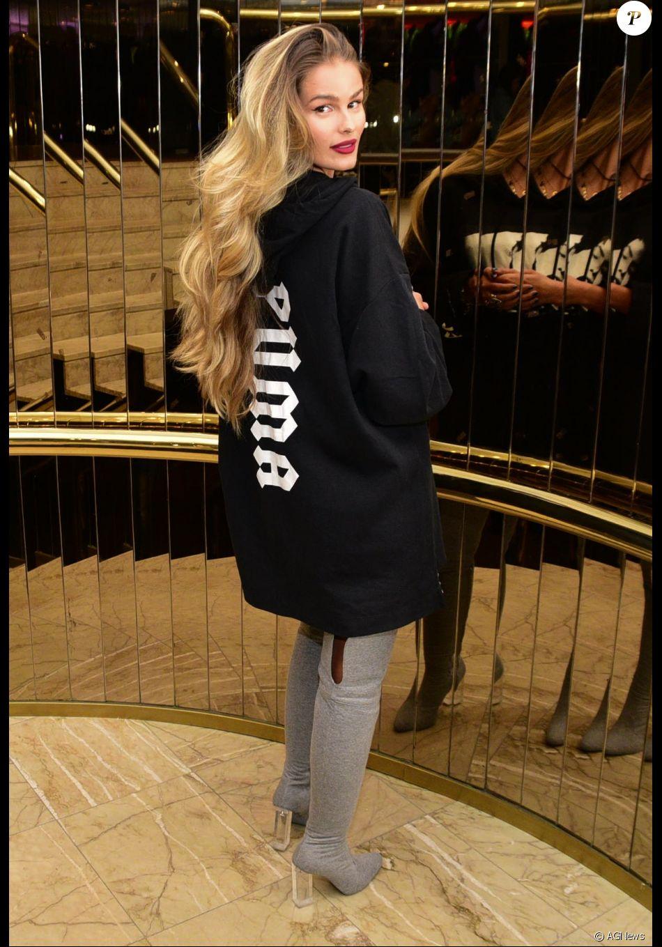Yasmin Brunet apostou no look com a bota de moletom de Andressa Salomone para ir ao Glamour Beauty Festival, também em novembro de 2016