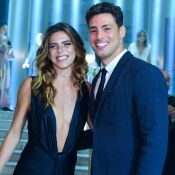 Namorada de Cauã Reymond, Mariana Goldfarb aposta em superdecote: 'Ele escolheu'